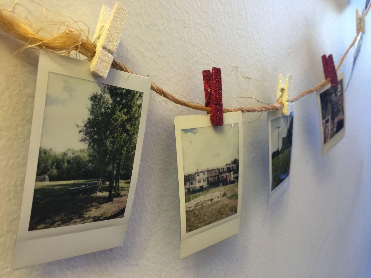 clip-photos-on-string