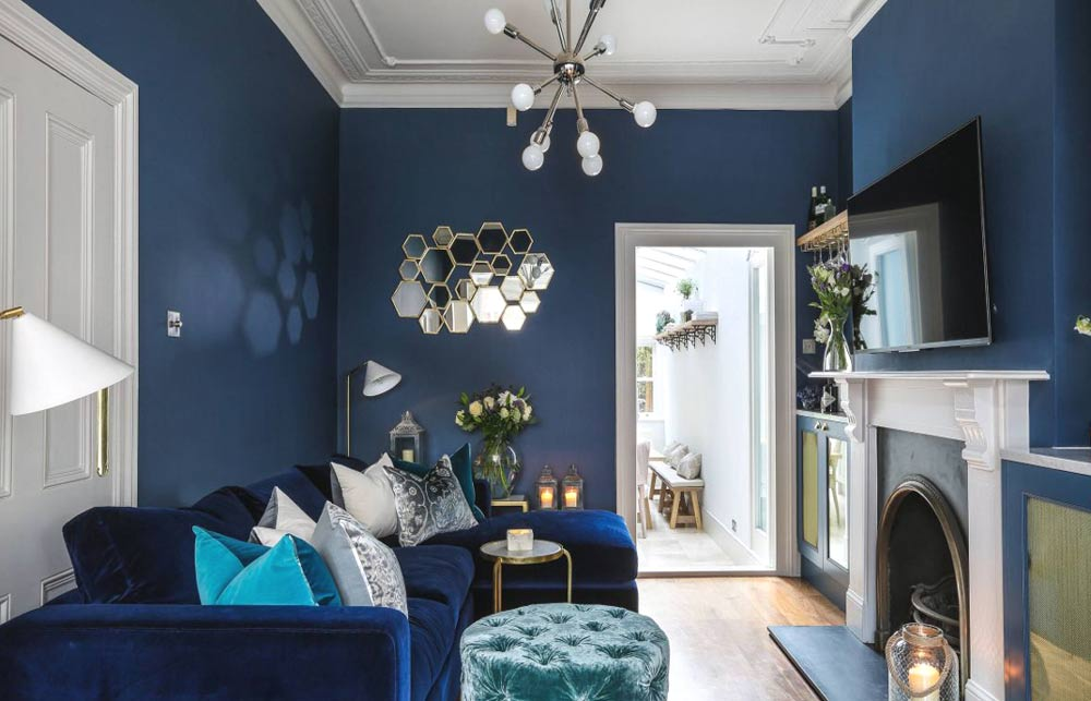 small-navy-living-room-scheme